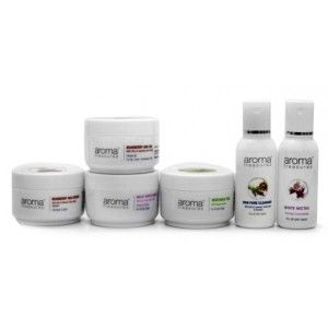 Buy Aroma Treasures Skin Whitening Kit Medium + Free One Time Use