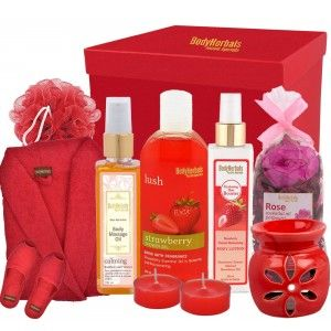 Buy BodyHerbals Weekend Escapes Strawberry & Rose Bathing Spa Hamper - Nykaa