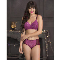 Clovia Lace Padded Non-Wired Bra & Hipster Panty - Purple