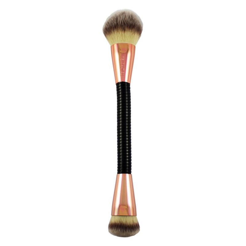 Makeup Revolution Flex Brush - 02 Highlight And Glow