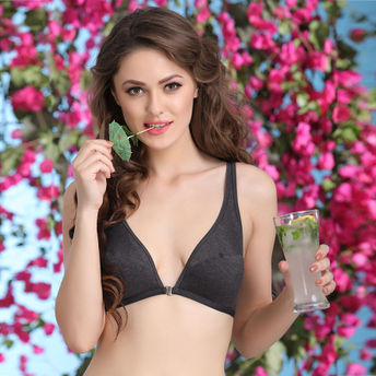 19c03414bbb66 Clovia Plunge Neck Front Open Bra In Cotton Blend at Nykaa.com