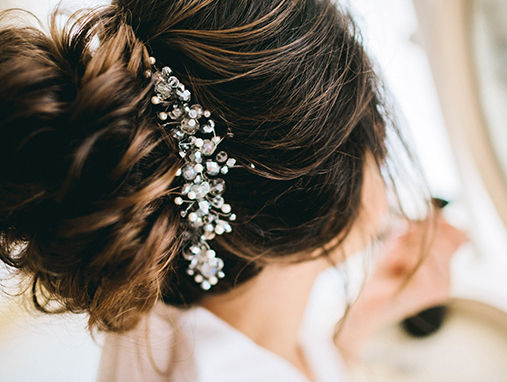 https://www.nykaa.com/beauty-blog/ten-must-have-beauty-tools-in-your-bridal-arsenal?intcmp=appliances-hair-styling-tools,tiptile,27,beauty-book,ten-must-have-beauty-tools-in-your-bridal-arsenal