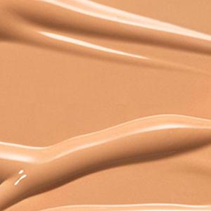 C4.5 - Tanned neutral with peach undertone for medium skin