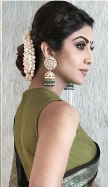 Can Someone Tell Me What Hairstyle Will Go With A Saree In A