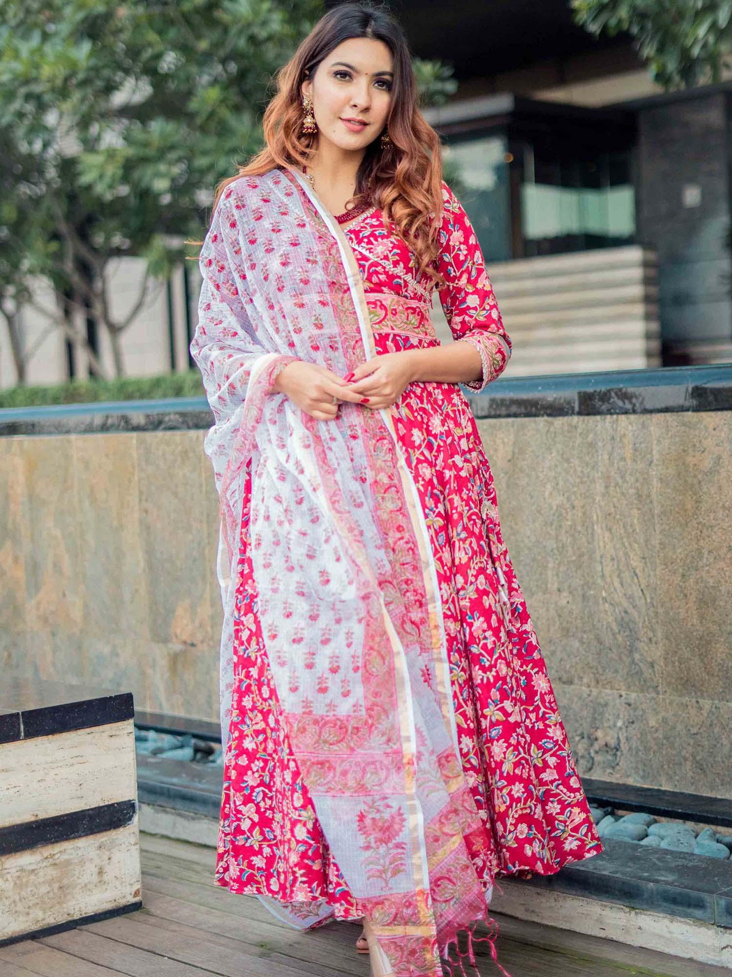 Ethnic Wear Online Buy Latest Ethnic Wear For Women From Best Designs Nykaa Fashion