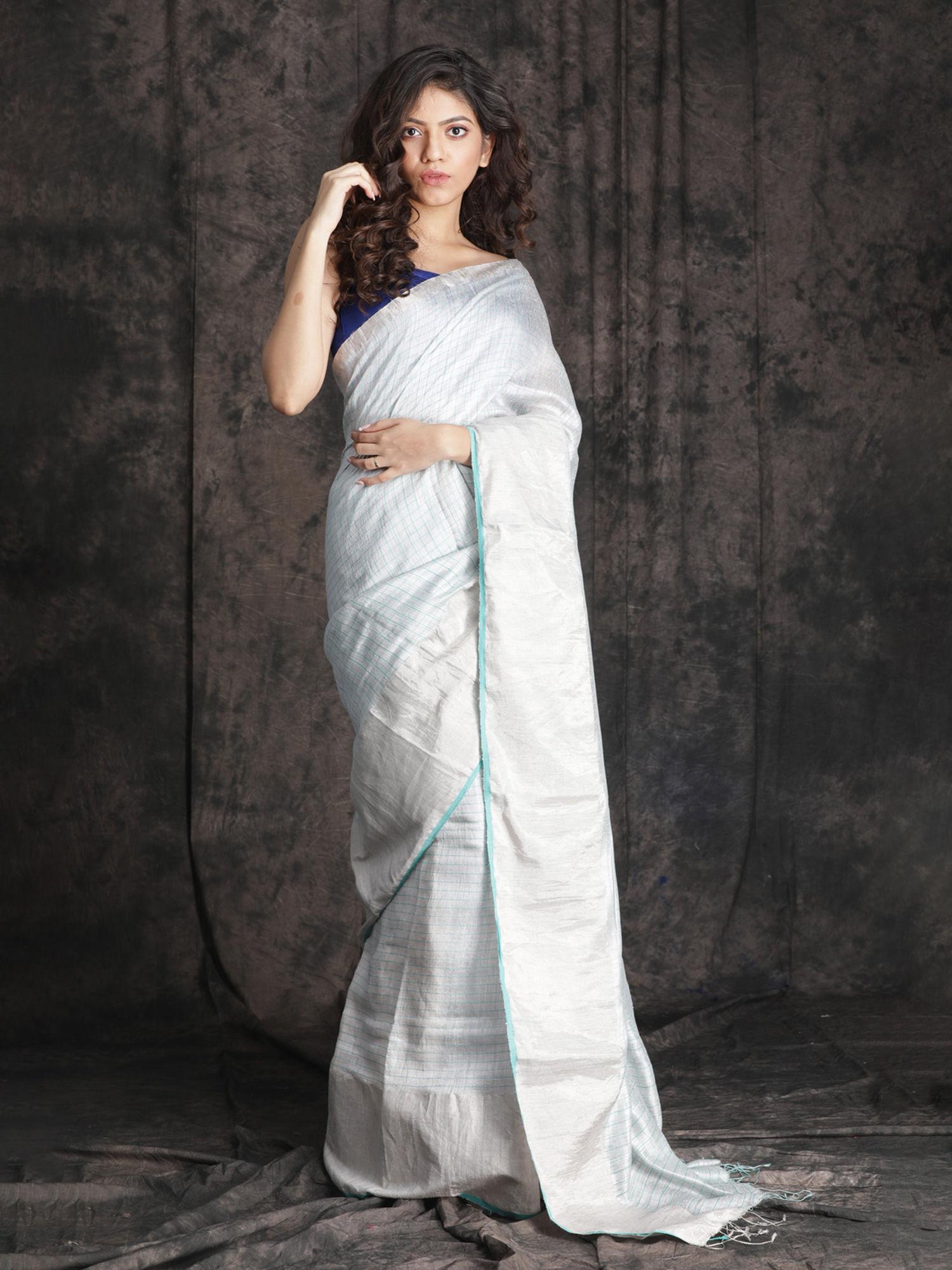 CHARUKRITI White Matka Silk Saree With Sea Green Checkered Design With Unstitched Blouse