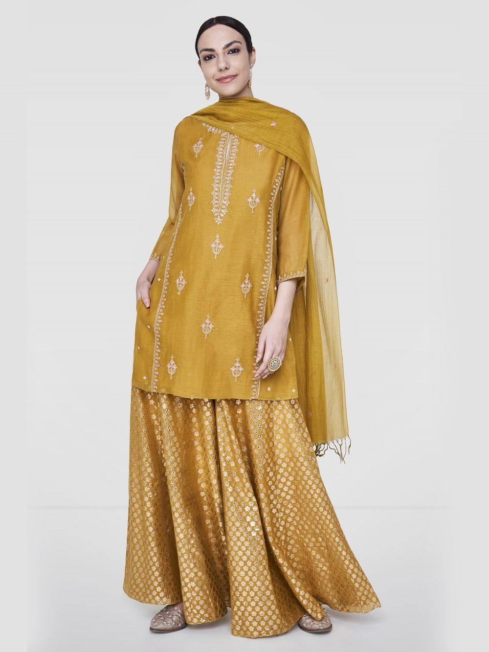 1b0e9ee22c6a Anita Dongre Omisha Suit