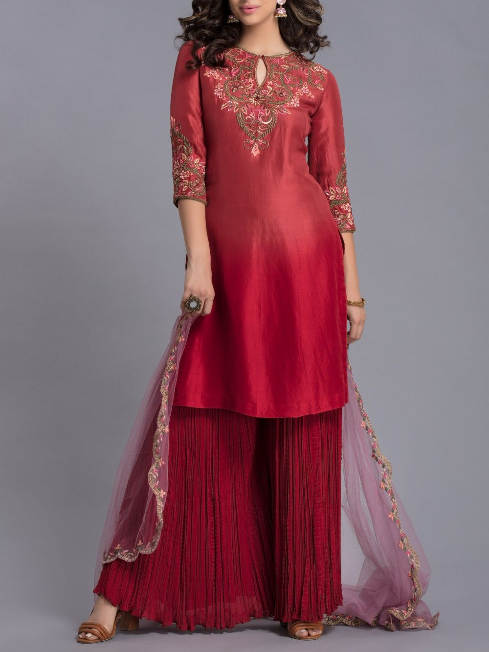 2633cffd8aa Avdi Salwar Suits and Sets : Buy Avdi Red Shaded Kurta Set Online ...