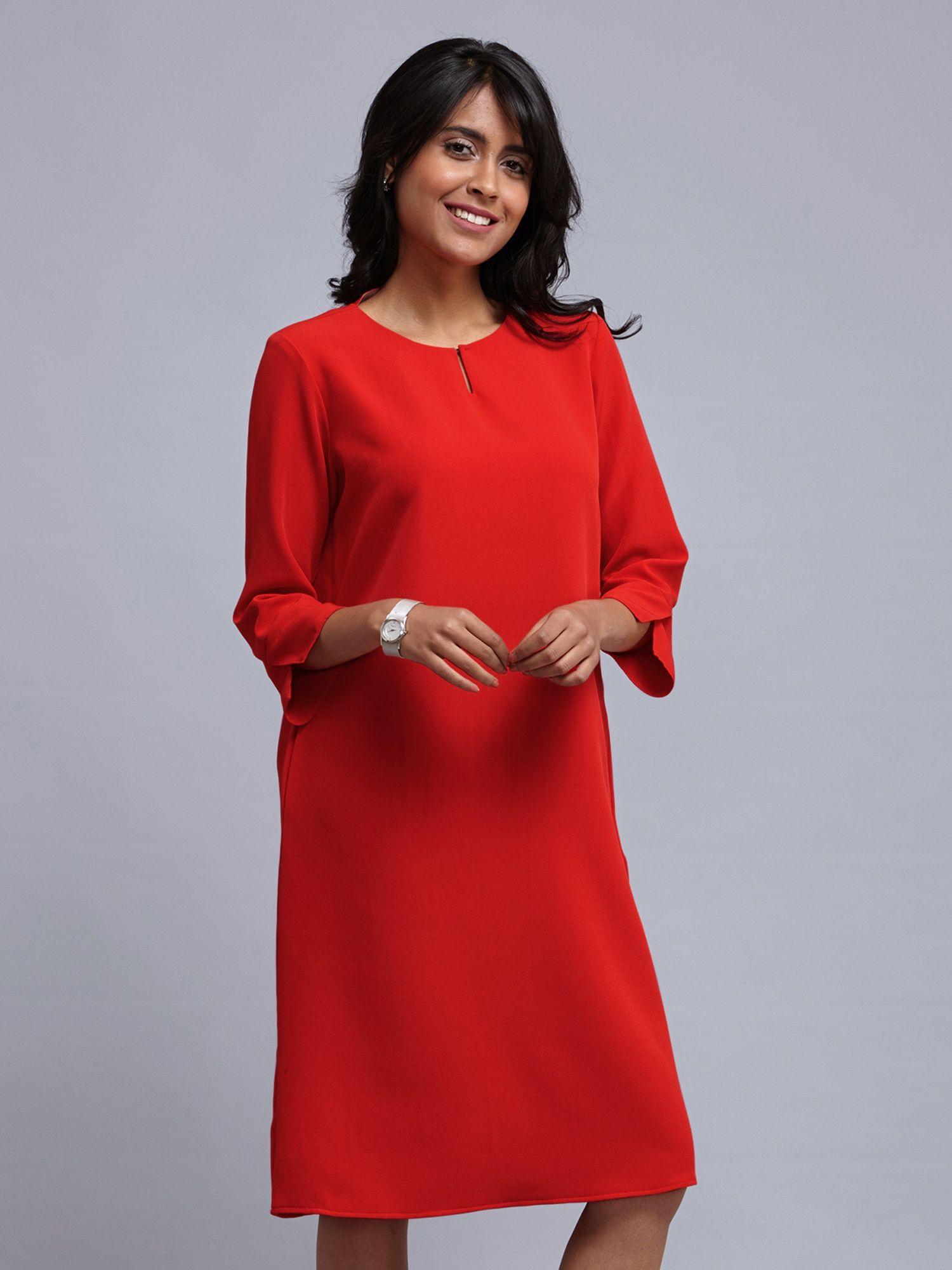 de703461b9 FableStreet Dresses   Buy FableStreet Front Keyhole Straight Fit ...