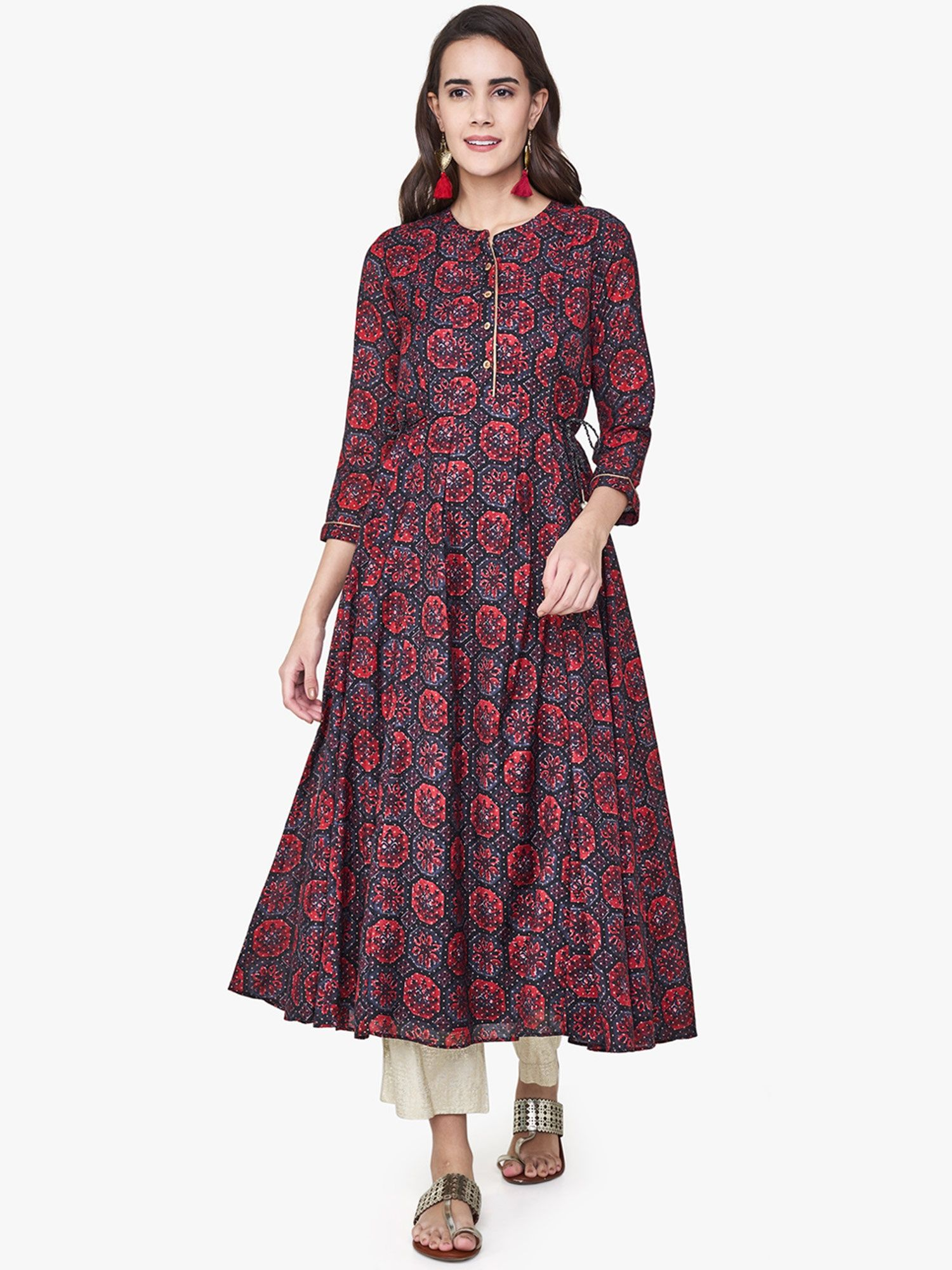 3e0709934f9 Global Desi Tunics : Buy Global Desi Indigo & Red Blocks Print Kurta ...