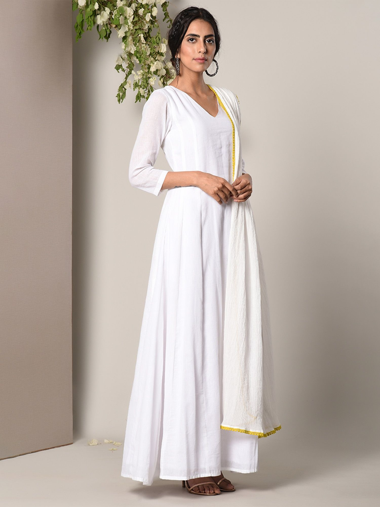 bf541b902a7a trueBrowns Salwar Suits and Sets : Buy trueBrowns White Dress ...
