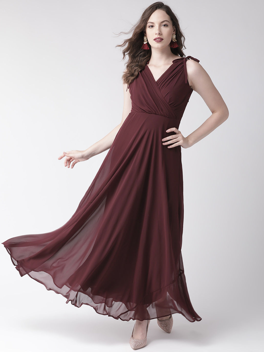 Gowns Online: Buy Fancy Designer Gowns For Women - Upto 8% off