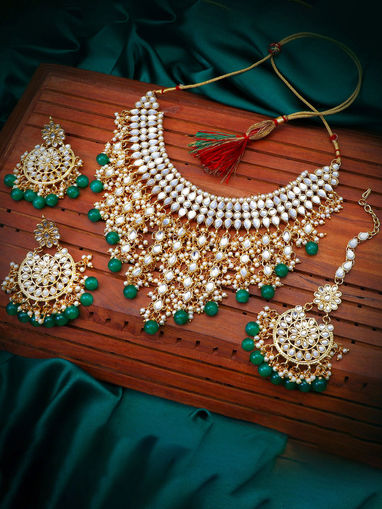 traditional Indian wedding golden plated kundan jewellery set Necklace Gold Tone Kundan Inspired Pearl Necklace with Earrings Set of 3