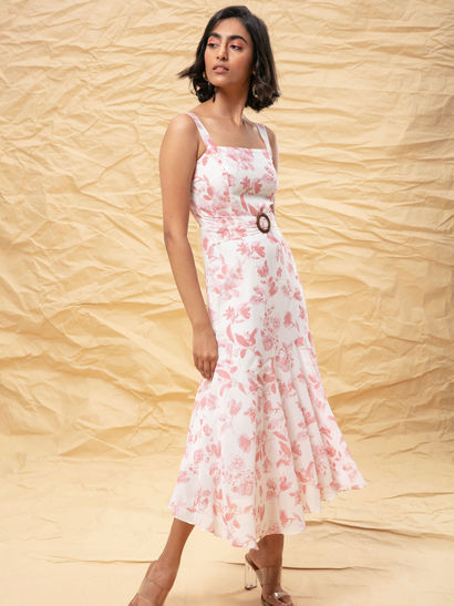 Designer Dresses Buy Stylish Dresses Online For Women From Best Designs Nykaa Fashion
