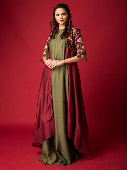 Green Gowns - Buy Green Colour Gowns Online From Best Designs | Nykaa  Fashion