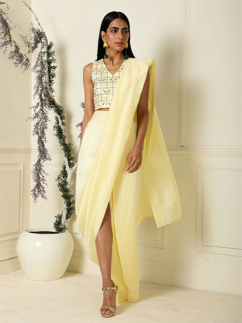 Label Nitika Saree Buy Label Nitika Yellow Solid Draped Saree With Blouse Online Nykaa Fashion