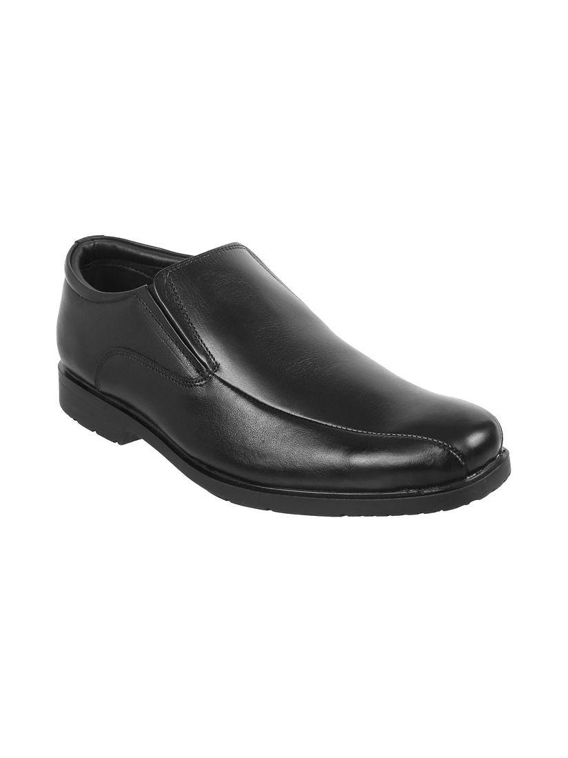 Mochi Black Solid Slip On Formal Shoes