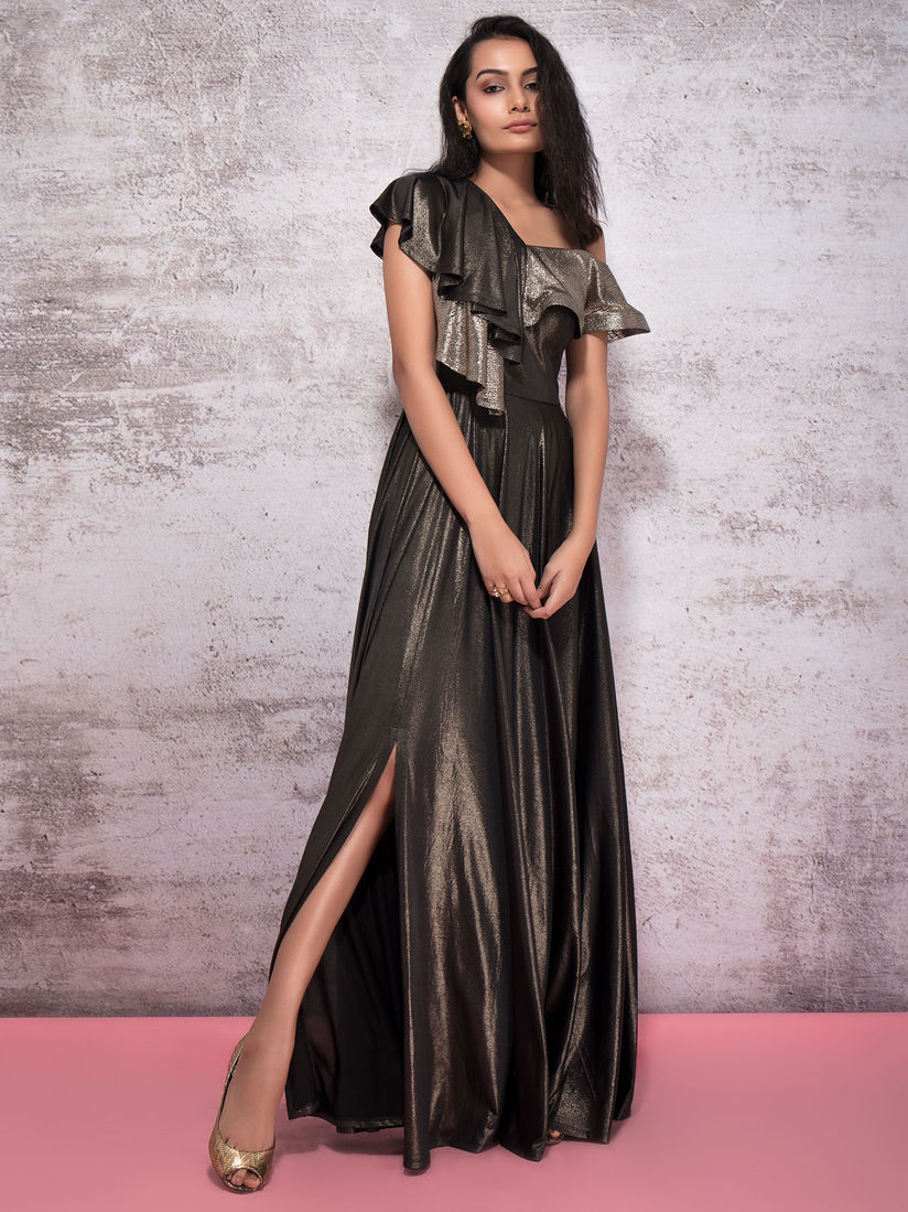 Ritika Gowns : Buy Ritika Black Shimmer Ruffled Gown With Slit Online |  Nykaa Fashion.