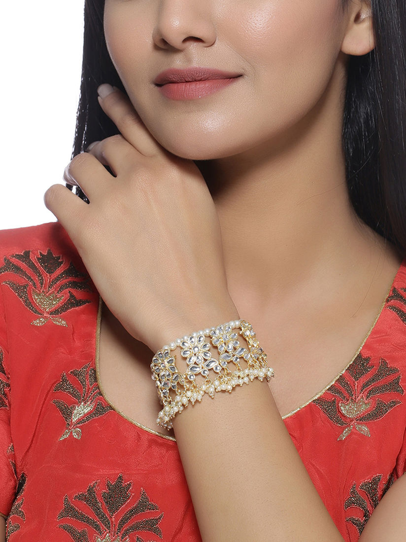 Pearl Gold Plated Kundan Bracelet Pearl and Kundan Bracelet Gold Plated Pearl and Kundan Bracelet Gold Plated Bracelet Green Bacelet