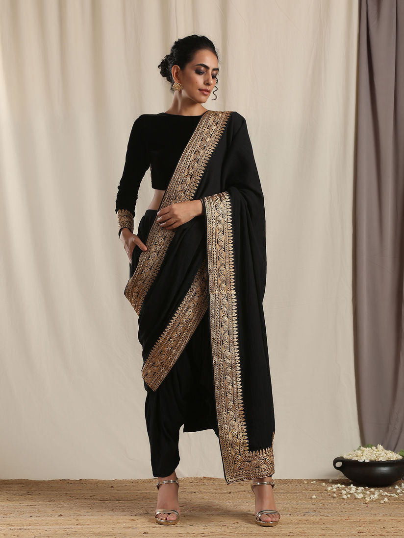Truebrowns Sarees Buy Truebrowns Black Crinkle Ready To Wear Embroidered Saree With Stitched Blouse Online Nykaa Fashion