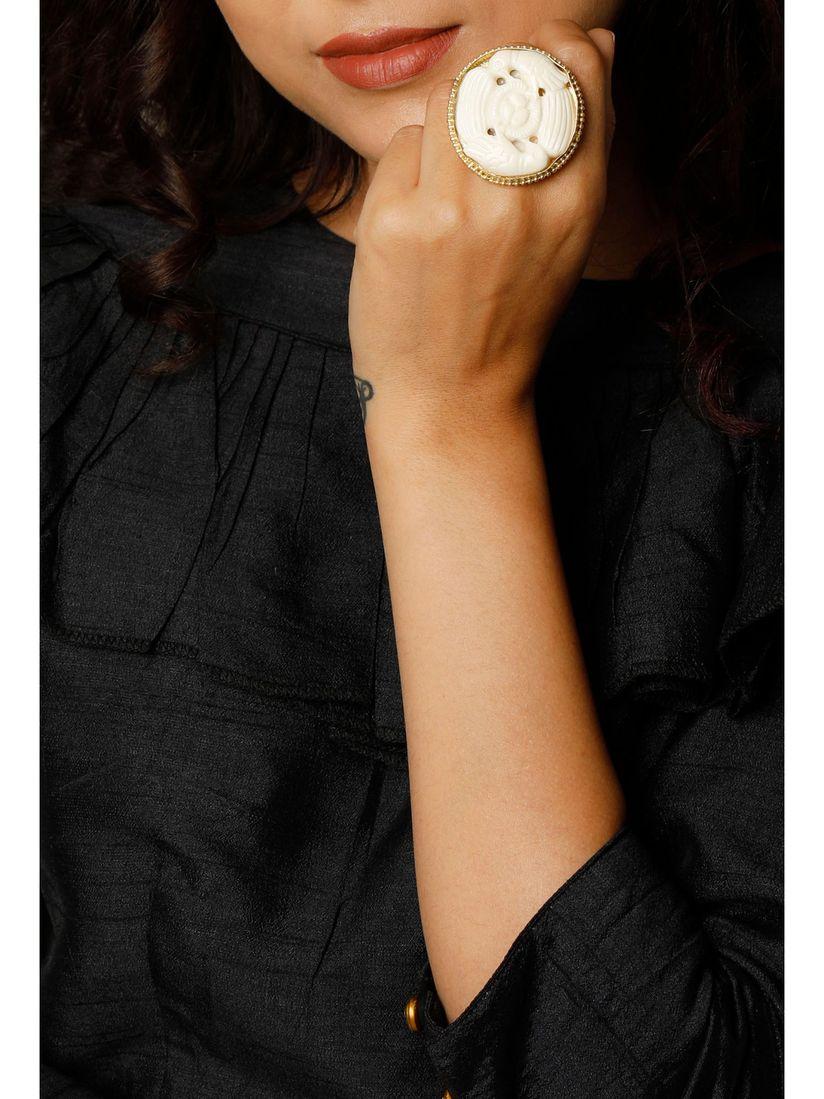 Tjori Rings Buy Tjori Panchi Bone Carved Oversized Ring Online Nykaa Fashion